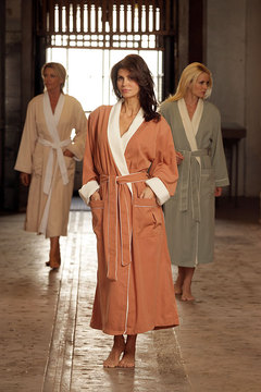 doeskin-spa-robe