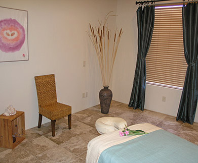 massage-room-table